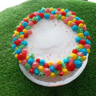 Kue Tart Cream Warna Warni
